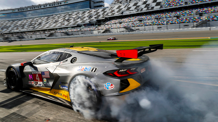 Rolex 24h at Daytona 2021: Hour 21