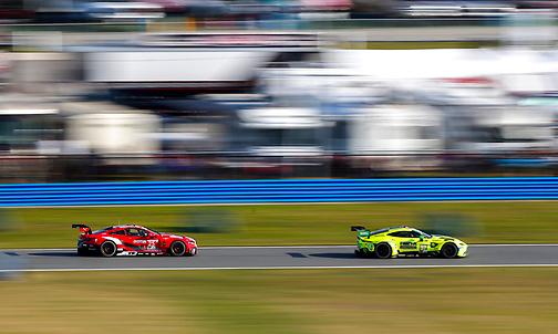 Rolex 24h at Daytona 2021: Hour 2